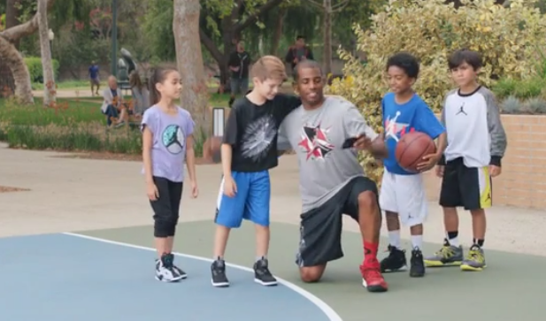 Chris Paul takes selfie with Kids, why?