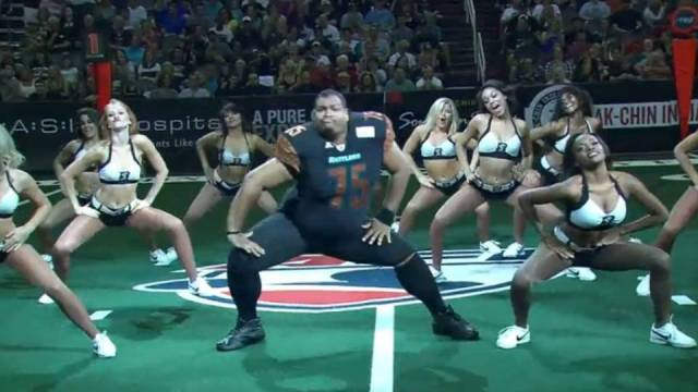 You wont believe what this football player did, Awesome moves!
