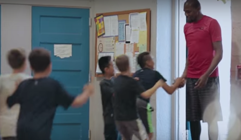 Kevin Durant cheering fans, watch the heartfelt commercial