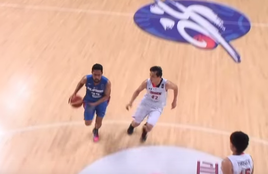 Ocampo had a wide open lane for a lay-up, but he did this instead