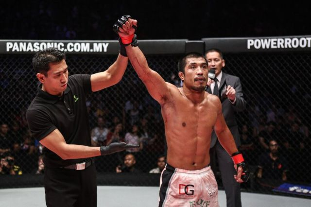 "Eric ""The Natural"" Kelly of the Philippines returned to the ONE Cage victoriously"