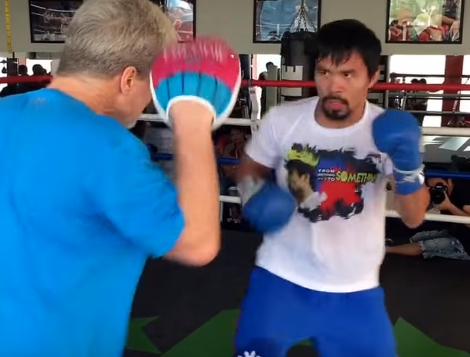 Pacquiao hand is Still Blazing Fast! Watch Freddie works the mitts with Manny