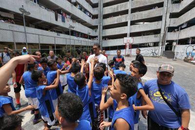 Jordan Clarkson Visited Less Fortunate Kids