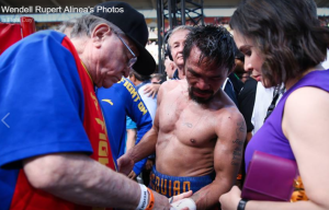 Pacquiao Manny on the ring with wife