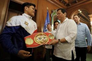Jerwin Ancajas with President Duterte